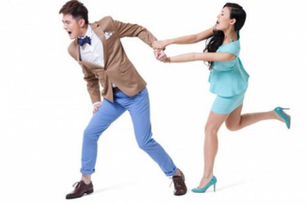 Choáng váng với 6 cách giữ chồng kỳ lạ - 1