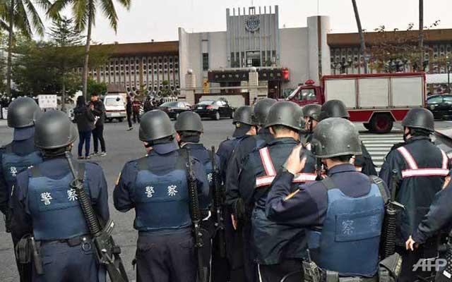 6 tù nhân Đài Loan bắt cai ngục làm con tin rồi tự sát - 1