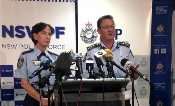 """Úc: Nghi phạm IS tìm cách """"moi thận, chặt đầu"""" con tin - 1"""