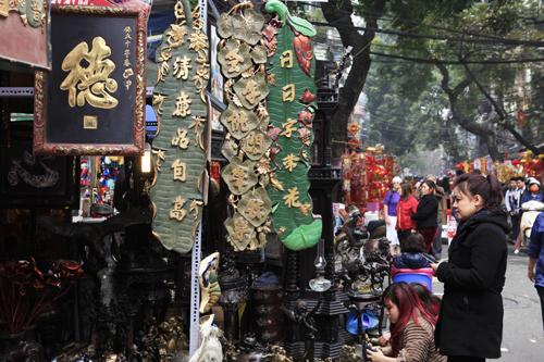 Chiêm ngưỡng dê đồng giá bạc triệu ở chợ đồ cổ Hà Nội - 6