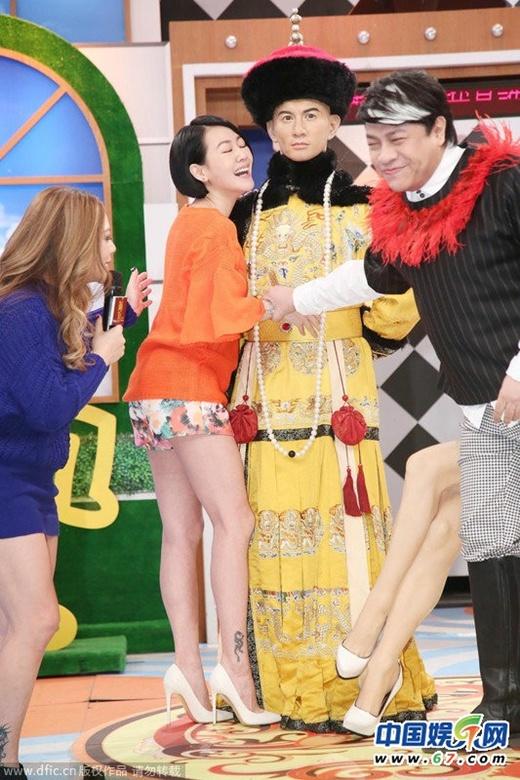 MC 3 con Đài Loan gây phản cảm trên truyền hình - 3