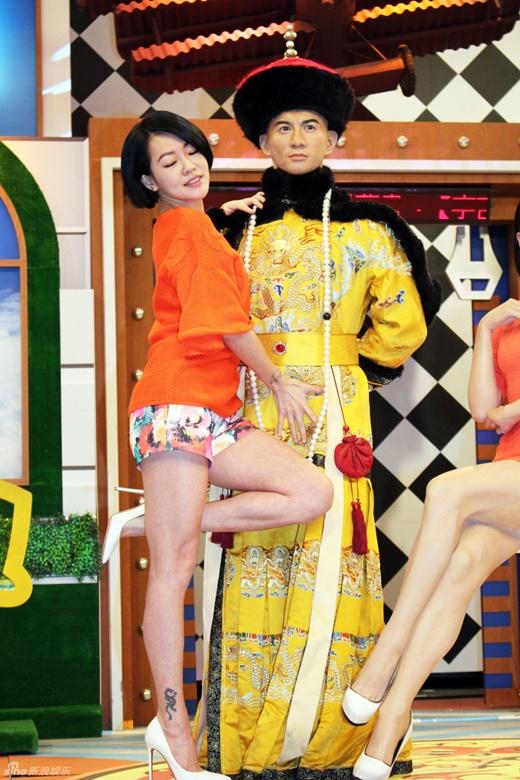 MC 3 con Đài Loan gây phản cảm trên truyền hình - 2