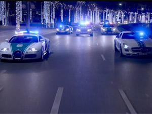 Cảnh sát Dubai khoe siêu xe theo cách Fast and Furious