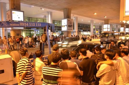 """Audi """"đại náo"""" sân bay: Người nhà nạn nhân nổi giận - 2"""
