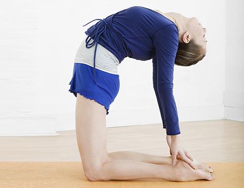 7 bài tập yoga giúp thân hình thon gọn - 4