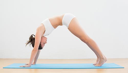 7 bài tập yoga giúp thân hình thon gọn - 6