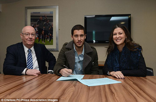 "Chelsea ""trói chân"" Hazard: Nước cờ cao tay - 1"
