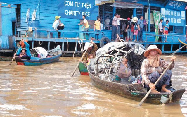 Tết Việt mênh mang trên Biển Hồ - 1
