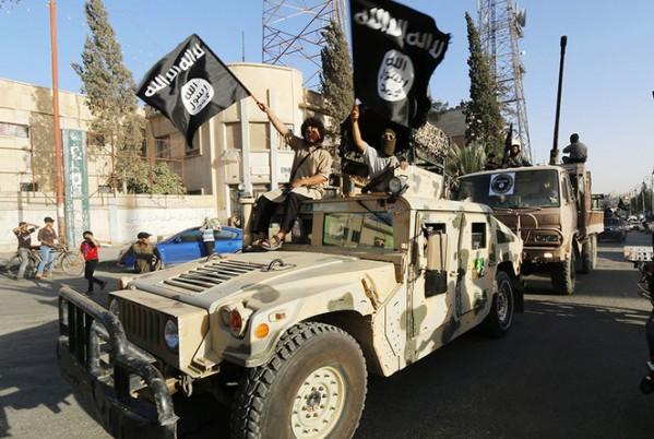 """LHQ quyết bóp nghẹt """"yết hầu tài chính"""" của IS - 1"""