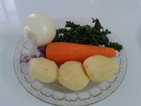 Bí quyết làm gà nấu tiêu xanh ngon - 2