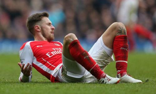 Arsenal thắng kém thuyết phục: Mong manh tốp 4 - 1