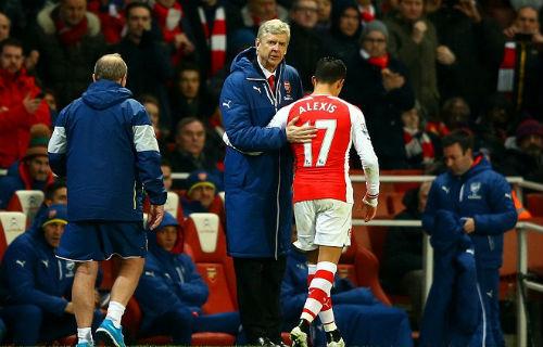 Arsenal thắng kém thuyết phục: Mong manh tốp 4 - 2