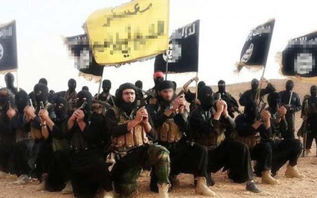 Phiến quân IS chiếm thị trấn Iraq, đe dọa căn cứ Không quân Mỹ - 1
