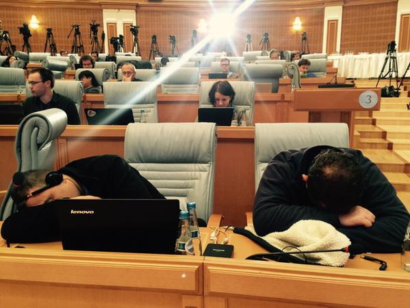 """Hội đàm Belarus """"đốn gục"""" hàng chục nhà báo - 4"""
