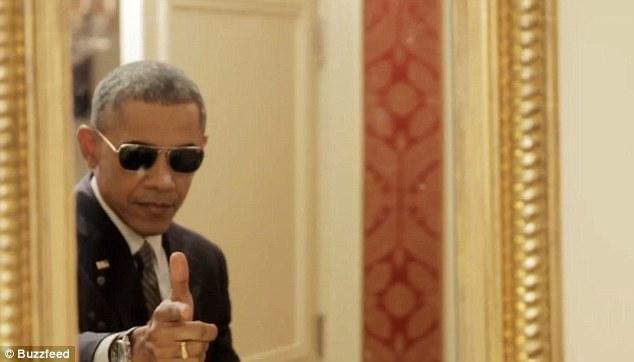 Tổng thống Obama làm mặt hề chụp ảnh tự sướng - 3