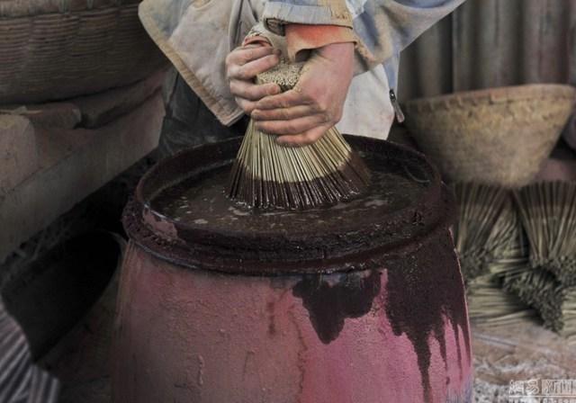 Bên trong làng làm hương nổi tiếng Trung Quốc - 3