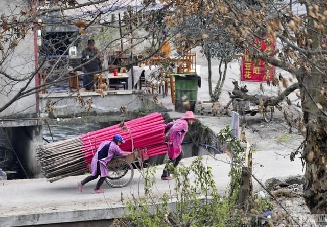 Bên trong làng làm hương nổi tiếng Trung Quốc - 11