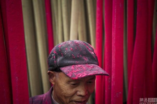 Bên trong làng làm hương nổi tiếng Trung Quốc - 9