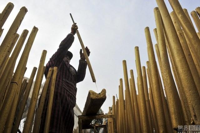 Bên trong làng làm hương nổi tiếng Trung Quốc - 14