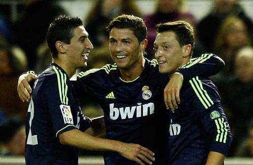 Oezil, Di Maria: Thất bại cũng bởi Premier League - 1