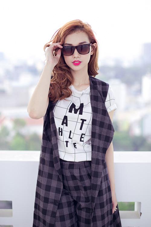 Cựu hot girl Quỳnh Chi nuột nà xuống phố - 10
