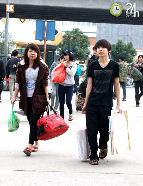 Sinh viên sợ hãi trên chuyến xe về Tết - 3