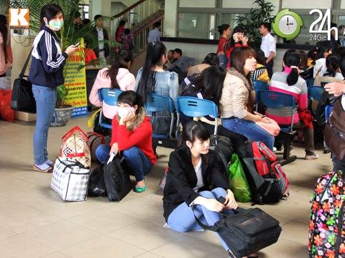 Sinh viên sợ hãi trên chuyến xe về Tết - 2