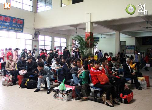 Sinh viên sợ hãi trên chuyến xe về Tết - 1
