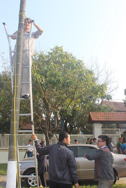 Người dân rơi nước mắt khi nghe tin ông Nguyễn Bá Thanh mất - 6