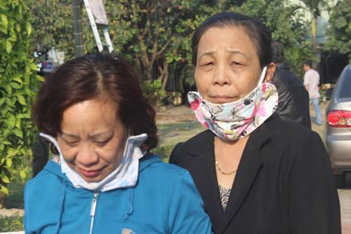 Người dân rơi nước mắt khi nghe tin ông Nguyễn Bá Thanh mất - 8