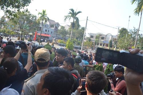 Đà Nẵng dừng nhiều sự kiện để tưởng niệm ông Nguyễn Bá Thanh - 1