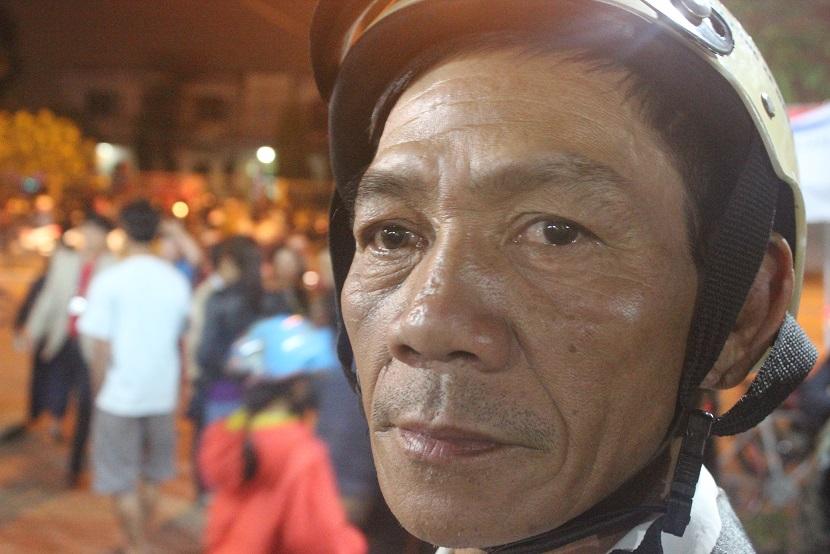 Hàng trăm người chờ viếng ông Bá Thanh trong đêm - 3