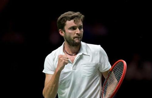 """Stan Wawrinka đụng độ """"máy giao bóng"""" (BK Rotterdam Open) - 1"""