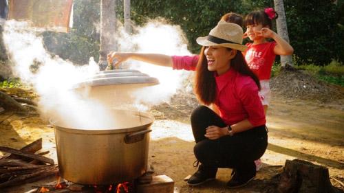 Diễn viên Thùy Trang háo hức về quê ăn Tết - 2