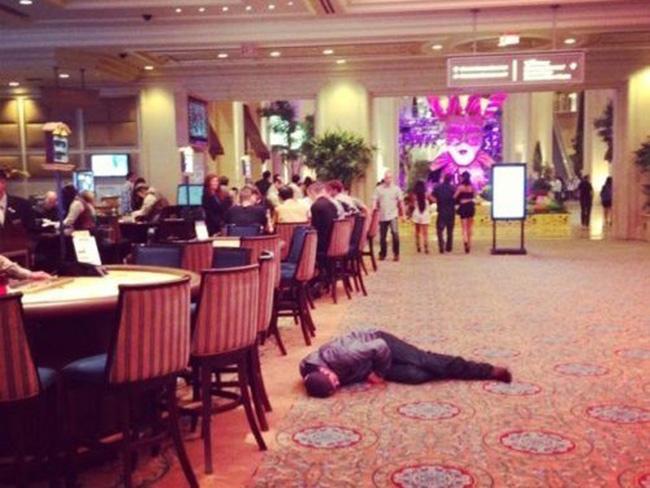 Hình ảnh khó đỡ của những người say xỉn - 7