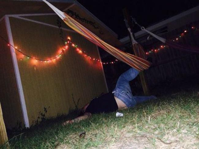 Hình ảnh khó đỡ của những người say xỉn - 3