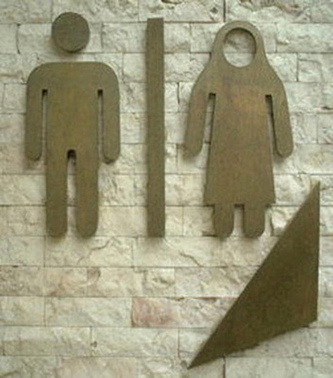 Bộ sưu tập biển báo WC cười không kịp nhịn - 7