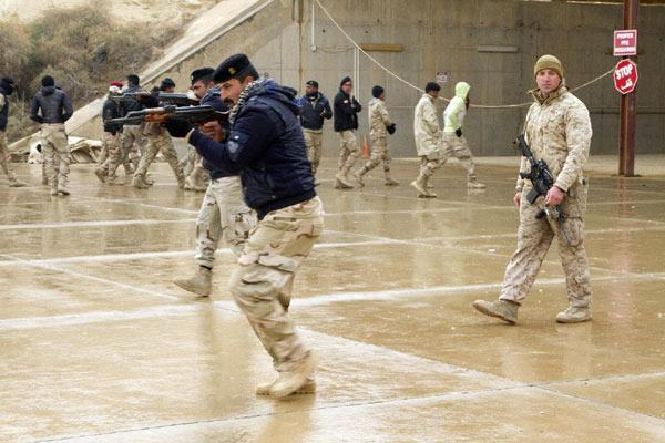 IS cải trang làm binh sĩ Iraq tấn công trại lính Mỹ - 2