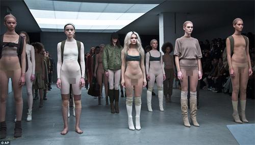 """Choáng với thiết kế """"mặc như không"""" của Kanye West - 1"""