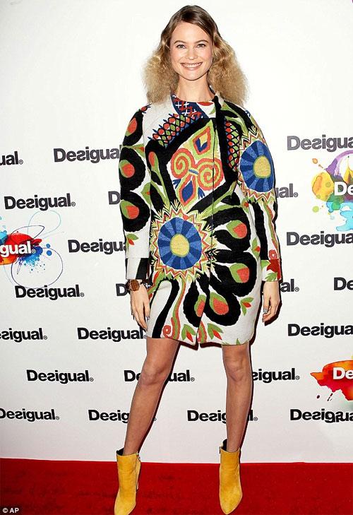 """Choáng với thiết kế """"mặc như không"""" của Kanye West - 7"""
