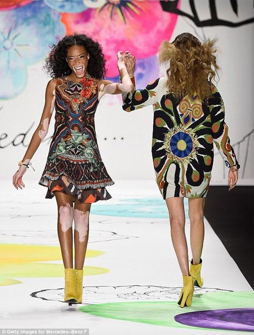 """Choáng với thiết kế """"mặc như không"""" của Kanye West - 9"""