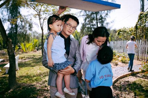 """Hoàng Bách: Nhiều năm đón Tết ở Sài Gòn rất """"khó khăn"""" - 2"""