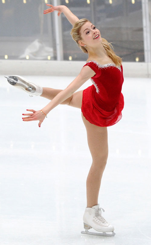 """Vẻ đẹp thơ ngây của """"Công chúa trượt băng tuổi teen"""" - 2"""