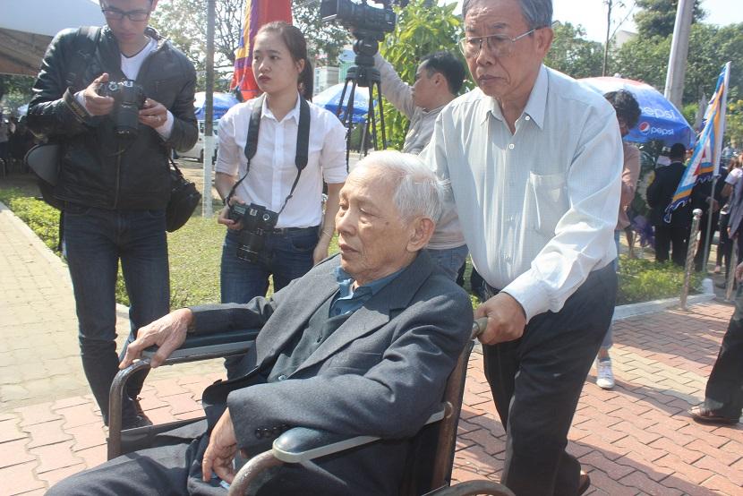 Nghẹn ngào lễ viếng ông Nguyễn Bá Thanh - 6