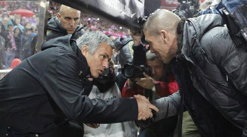 Tin HOT tối 14/2: Chi đậm, MU tiến gần sao Benfica - 1
