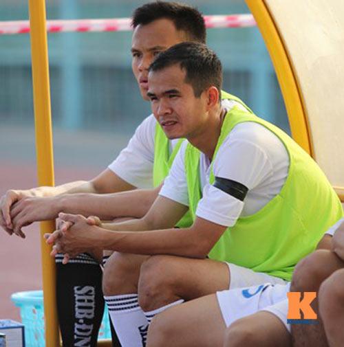 Thầy trò HLV Huỳnh Đức tưởng nhớ ông Nguyễn Bá Thanh - 7