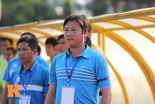 Thầy trò HLV Huỳnh Đức tưởng nhớ ông Nguyễn Bá Thanh - 8