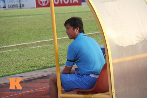 Thầy trò HLV Huỳnh Đức tưởng nhớ ông Nguyễn Bá Thanh - 9