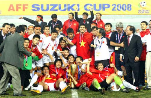 20 năm sau tấm HCB SEA Games, bóng đá Việt tiến hay lùi? - 2