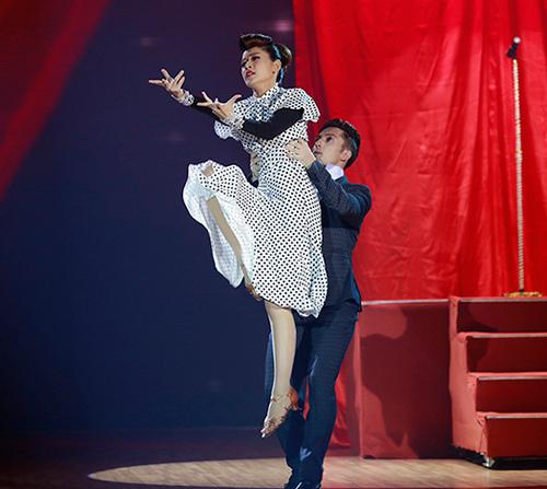 Angela Phương Trinh sa sút phong độ khi thi nhảy - 6